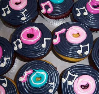 50 S Rock N Roll Cupcakes For The Love Of Cupcakes In 2019