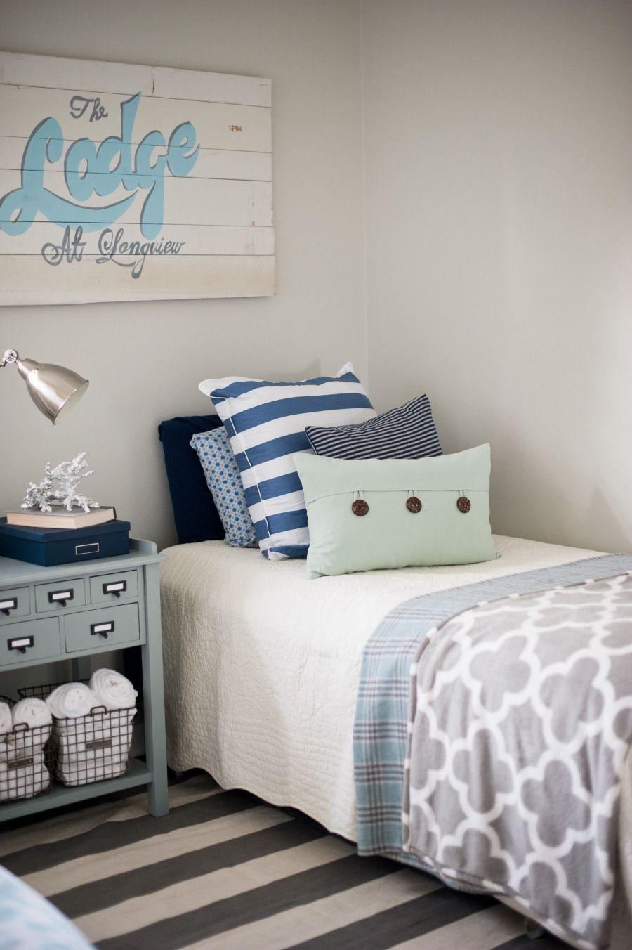 Habita 2 Tengo Colchas Azules Pero Puedo Ponerlas Como Pie De  # Muebles Nido De Abeja