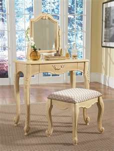 Superior Antique White Bedroom Vanity