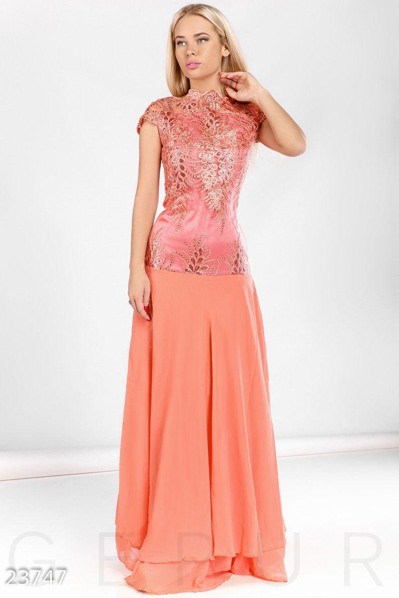 31484a234c6 Приталенное вечернее платье