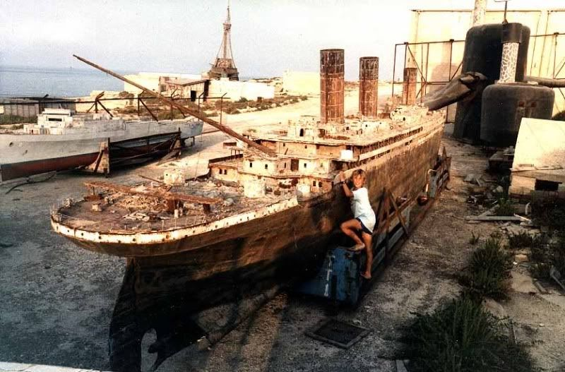 The wreck of Titanic remains on the seabed, gradually ... Raising The Titanic