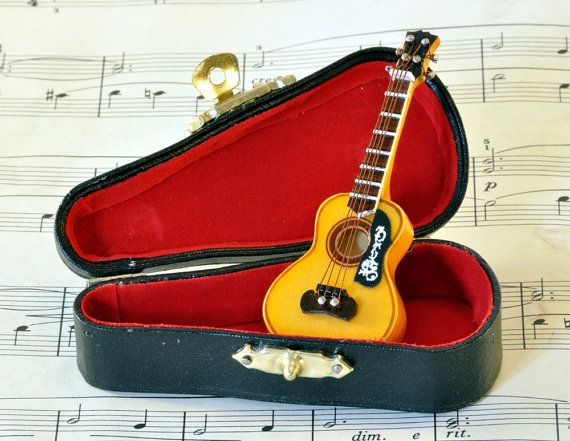 guitar brooch in case spanish guitar music instrument acoustic band kawaii desu ne. Black Bedroom Furniture Sets. Home Design Ideas