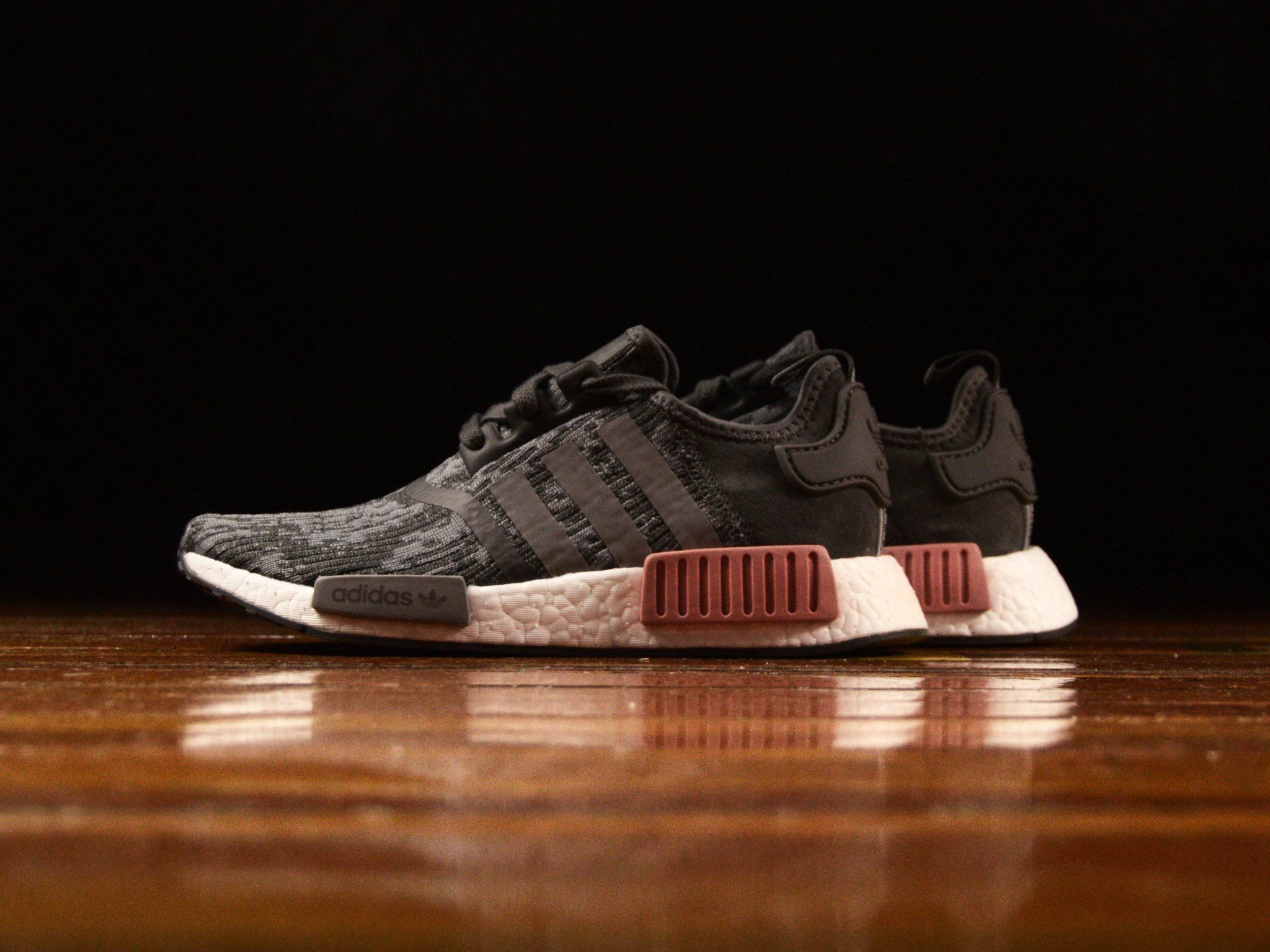 77d1674f4e Womens Adidas NMD R1  BY9647