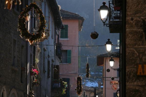 Si respira aria natalizia anche ad Acquasanta Terme, nelle Marche Ph. @turistaconsueto
