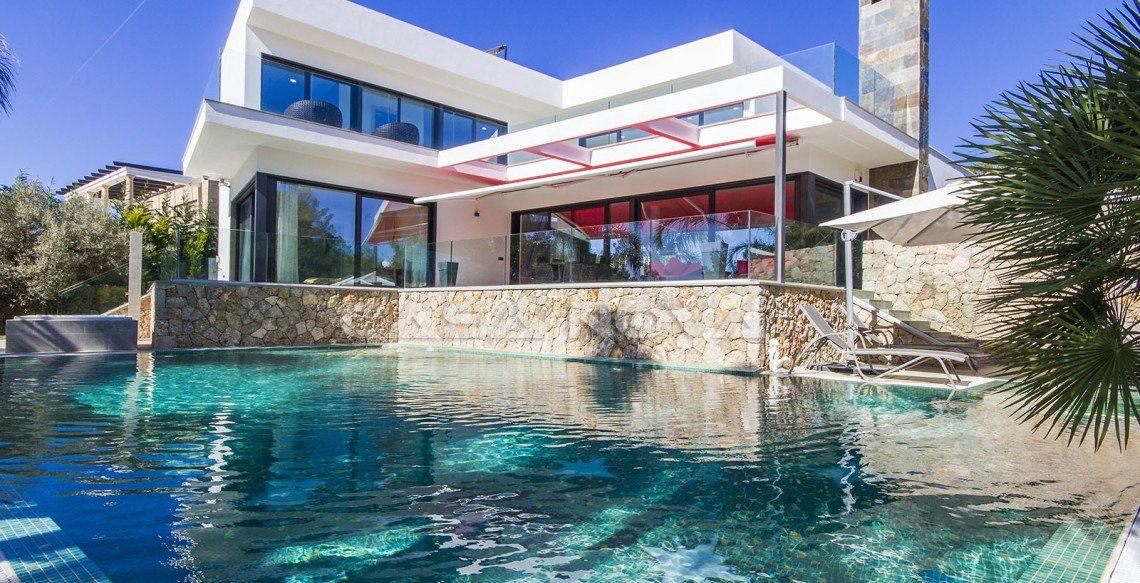 Lage Lage Villa Mit Sehr Viel Potential In Bester Wohnlage Von Santa Ponsa Ref 2451528 Nur 1 25 Mio Casas
