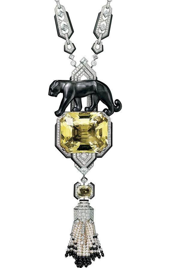 "Collier ""Panthère"" Platine, Diamants, Perles fines, saphir Jaune-Vert, Jade Noir, Onyx, Béryl © Cartier Paris Biennale 2014"