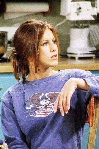 The 50 most iconic fashion and beauty moments in Friends #rachelgreenoutfits