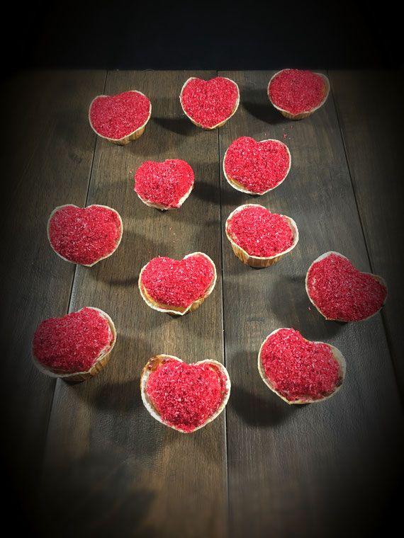Muffins In Herzform Zum Valentinstag Muttertag Hochzeit Verlobung