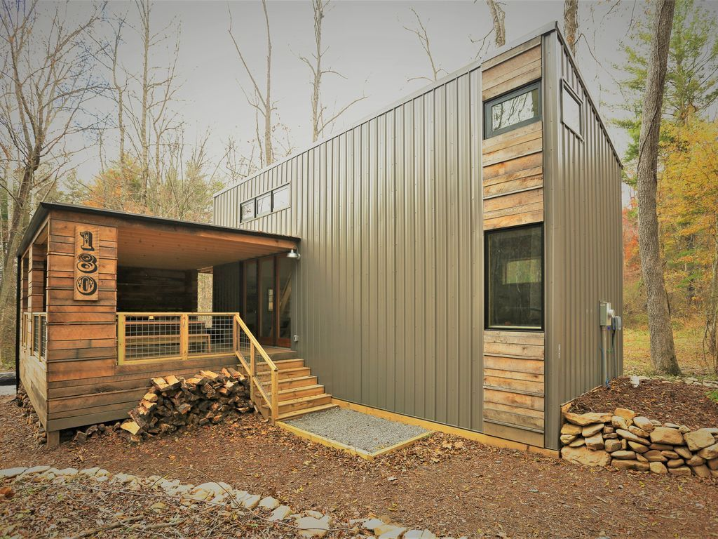 This Is A 640 Sq Ft Modcabin Available As A Vacation