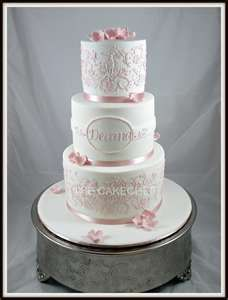 Love the cake stand