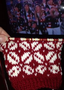 Here's what I am knitting during the opening ceremonies. Chart and pattern PDF: CLICK HERE