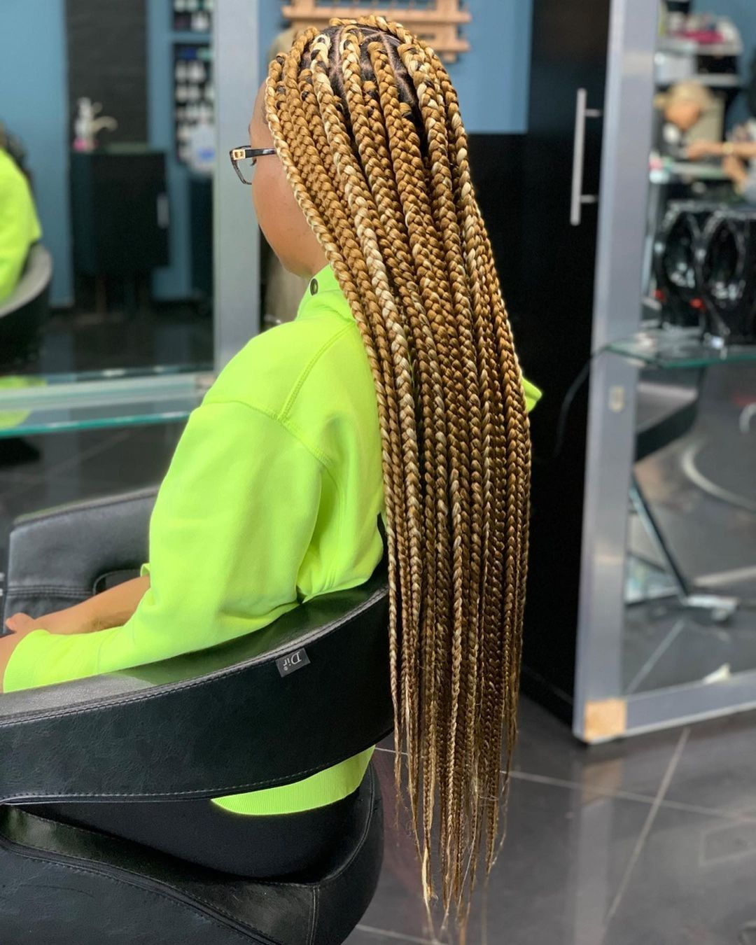 #largeboxbraids #largebraids #protectivestyles #bigbraids #largeknotlessbraids #hairstyles #melaninpoppin #blackbeauty #beauty #fashion #trends #quote #fancyhair #protectivestyles