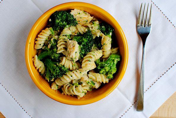 Skinny Chicken & Broccoli Alfredo - Pasta amb pollastre i bròquil i salsa Alfredo