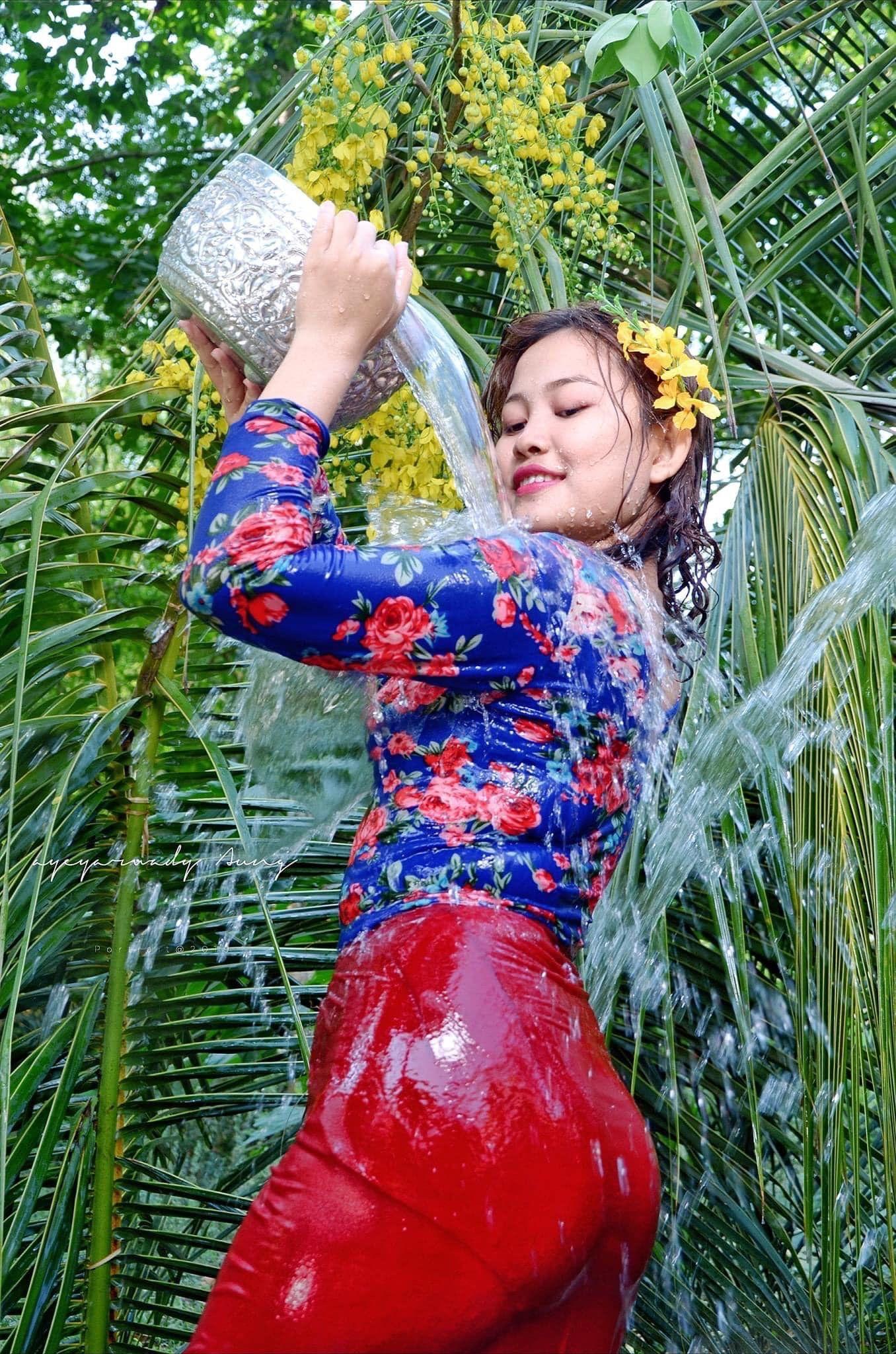 Pin en Myanmar Fashion Girl