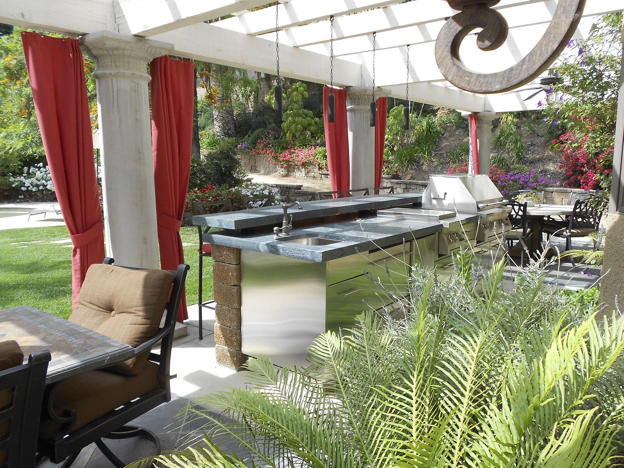 Best Outdoor Kitchen Cabinets Danver Outdoor Kitchen 400 x 300