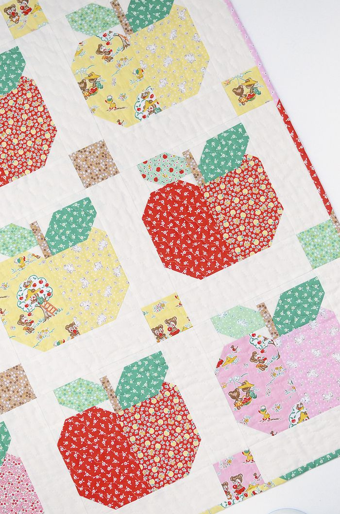 Sweet Apples Baby Quilt and Pillow Pattern by ellis & higgs made ... : apple quilt block - Adamdwight.com