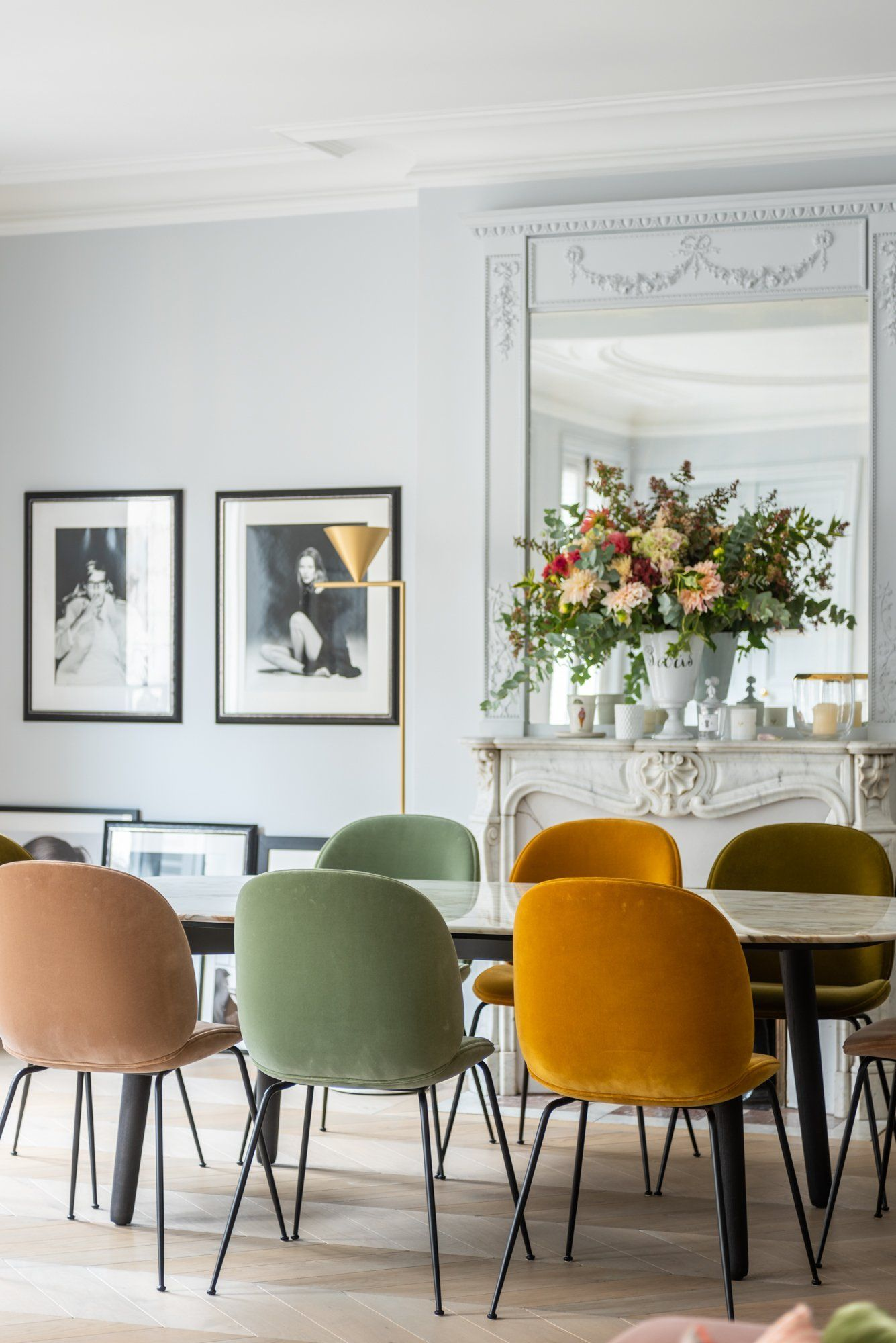 The Socialite Family Salle A Manger Coloree Chez Florence Elkouby Thesocialitefamily Inspiration Salle A Manger Deco Salle A Manger Salle A Manger De Luxe