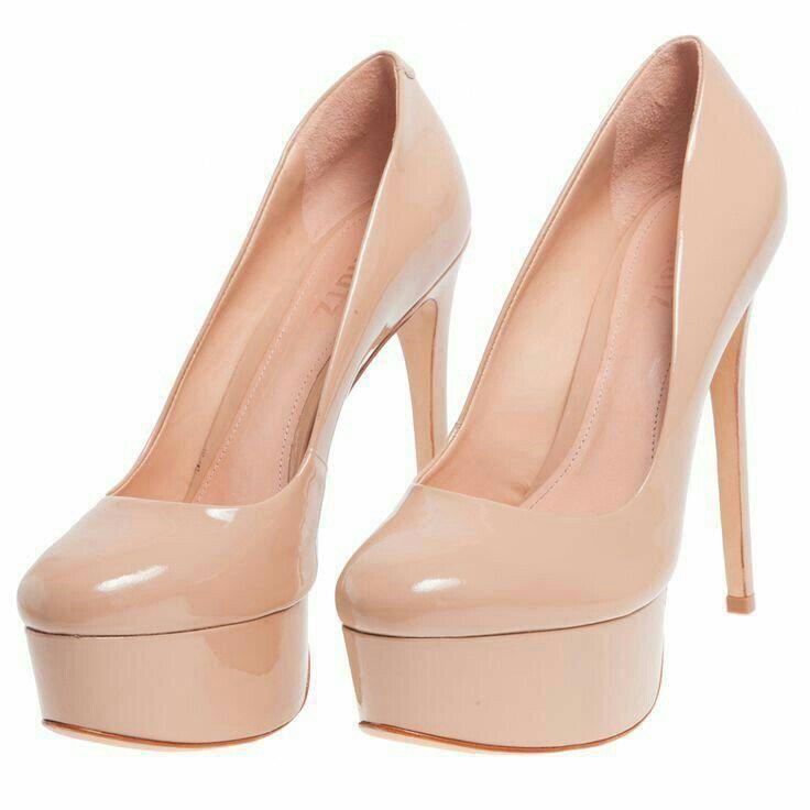 1f3853029 Scarpin perfeito SCHUTZ - Scarpin Schutz verniz - nude - OQVestir   SAPATOS/SHOES    Sapatos, Looks, Sapatos nude