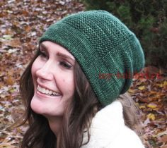 b39fc1b82e31 Как связать теплую шапку спицами платочной вязкой: описание для ...