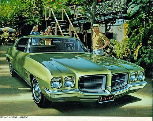 "1966 Pontiac Bonneville Green 4 Door Fitz /& Van Art Original Print Ad-8.5 x 11/"""