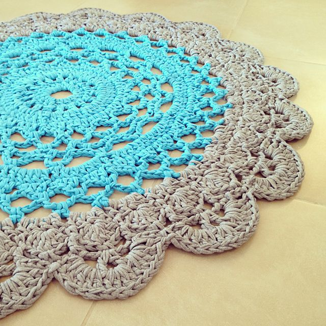 Crocheted Giant Doily Rug In Two Colors And Pattern Corrections Crochet Rug Patterns Crochet Doily Rug Crochet Mat