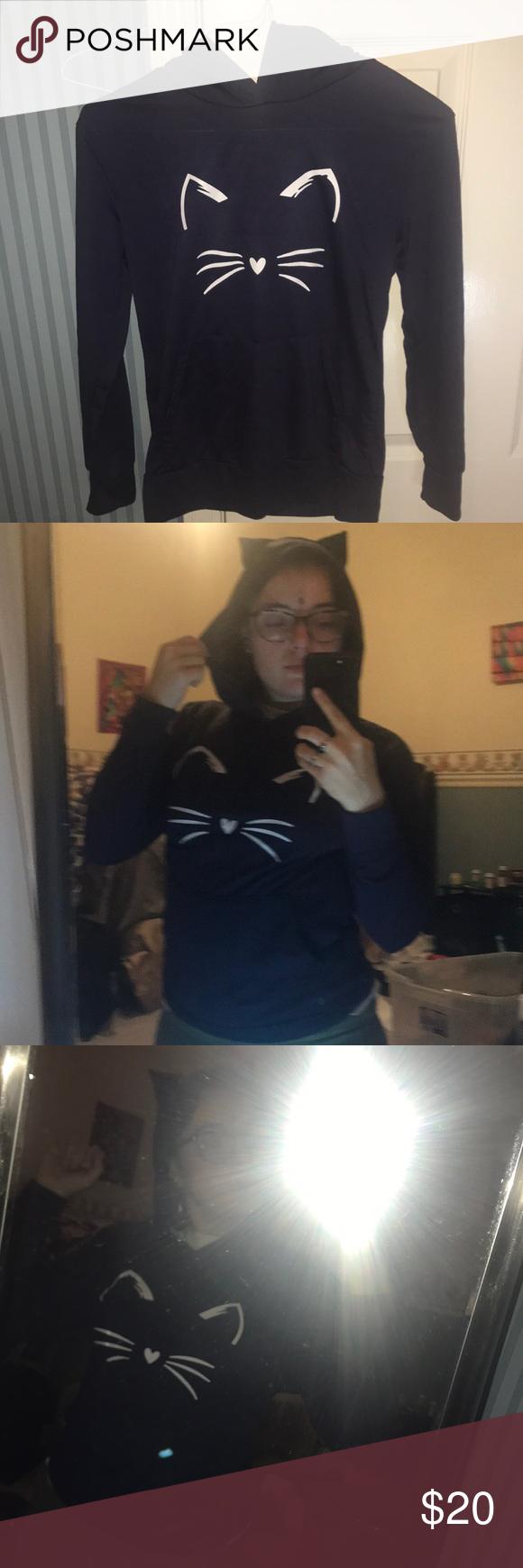 Photo of Sudadera con capucha Kitty con orejas azul marino Sudadera con capucha azul marino que pedí en línea pero cada vez que …