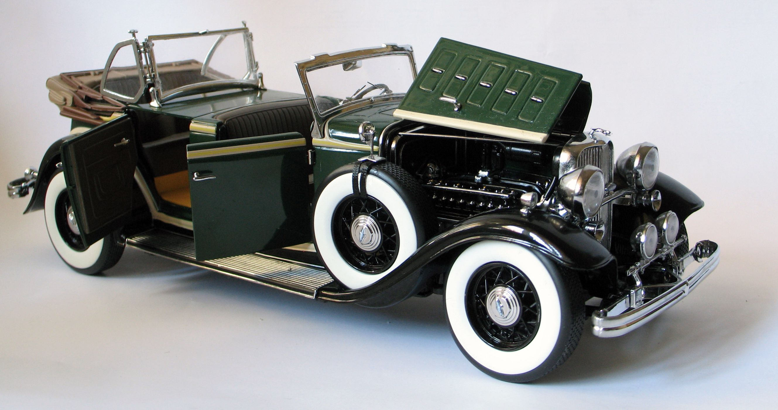 1932 ford lincoln kb sun star ss6165 scale 1 18