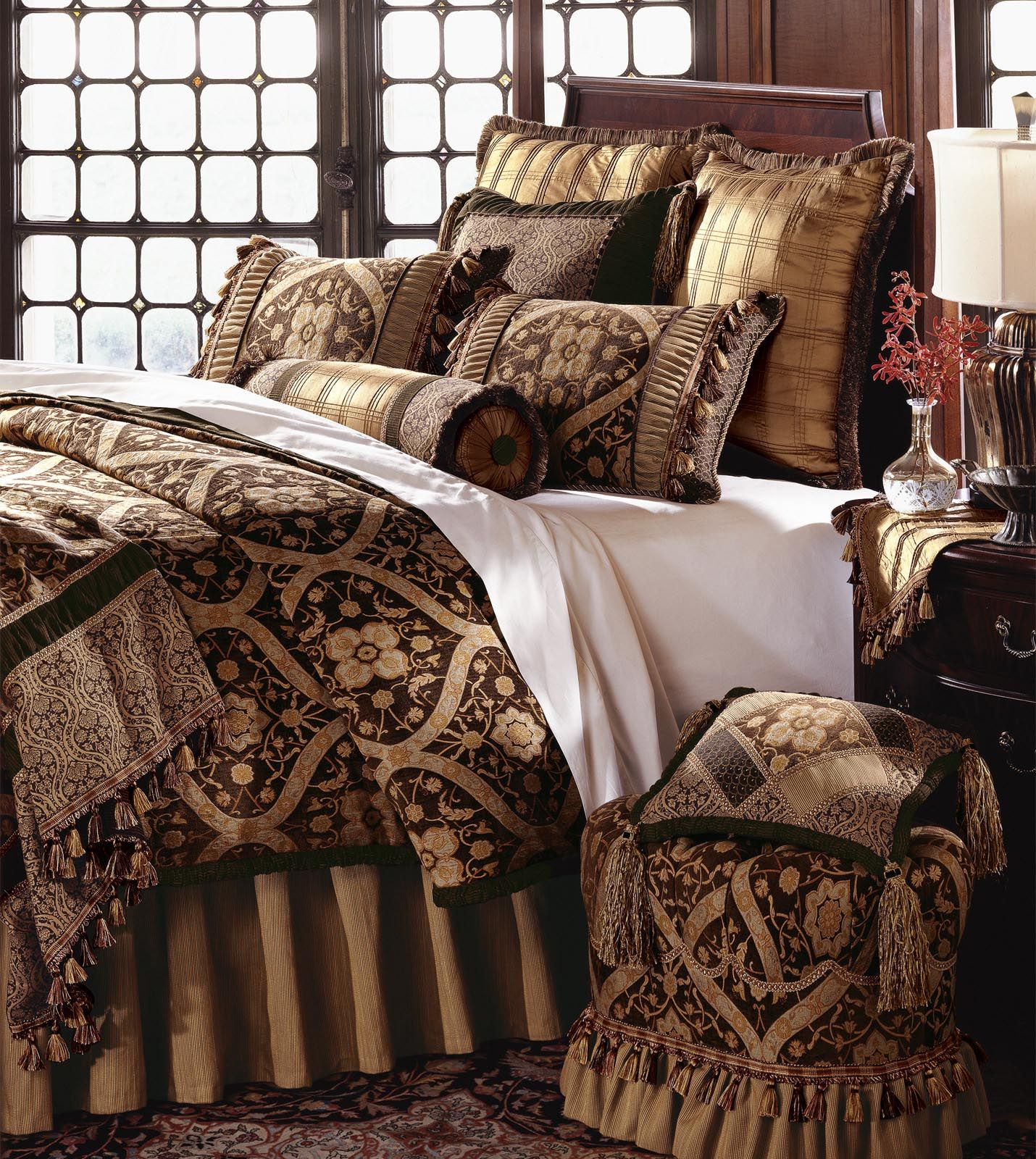 Luxury Bedding by Eastern Accents GARNIER DUVET Luxury