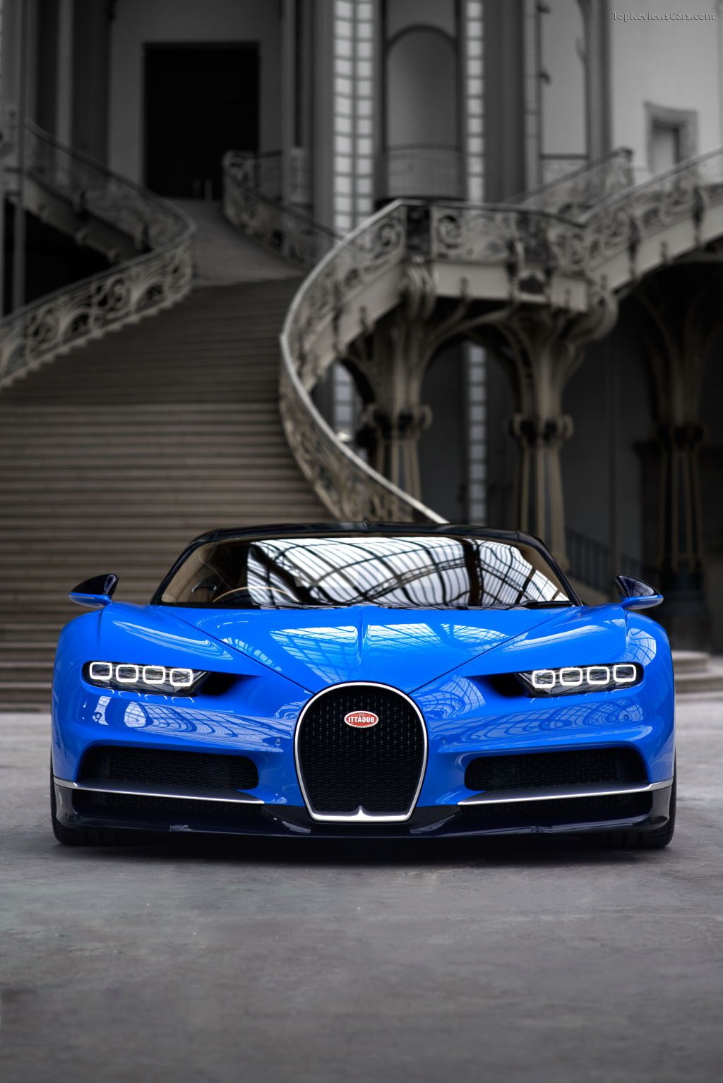 The Bugatti Eb110 Sports Cars Luxury Bugatti Chiron Super Car