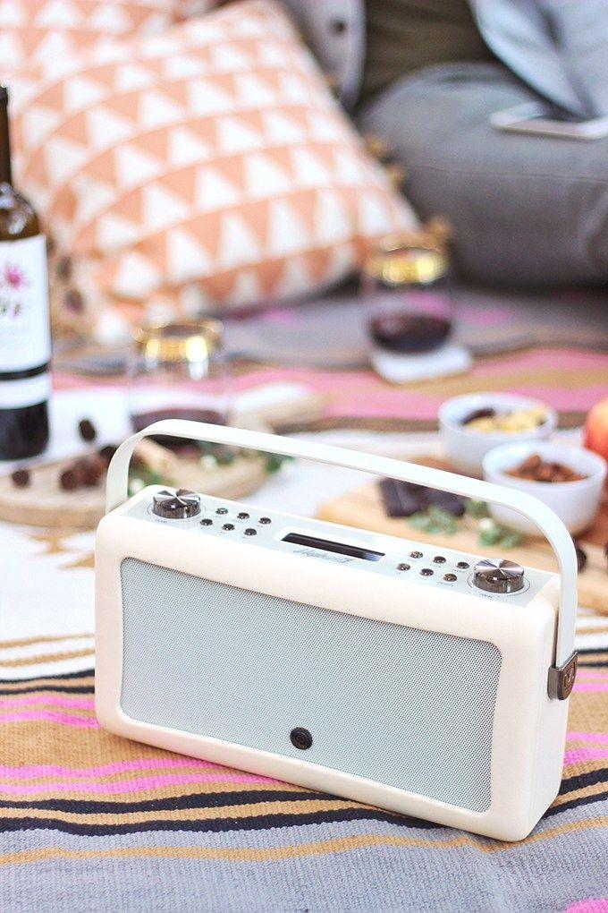 A MINI MOUNTAIN GETAWAY Mountain getaway, Mini, Wine picnic