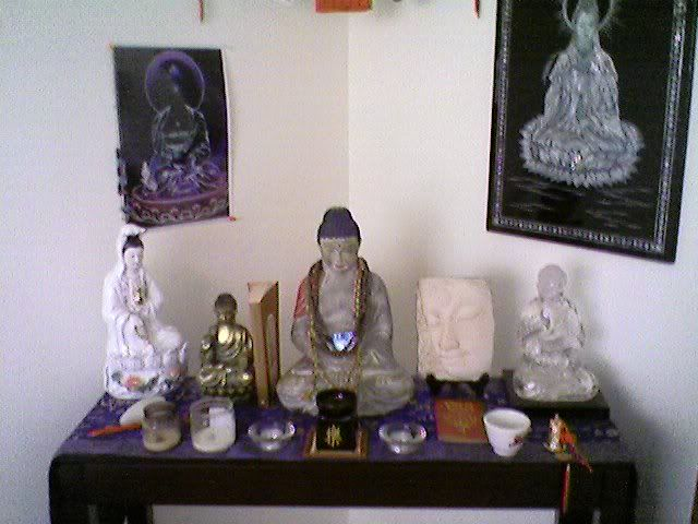 17 Best Images About Shrines And Altars On Pinterest: Home Shrine - FreeSangha - Buddhist Forum