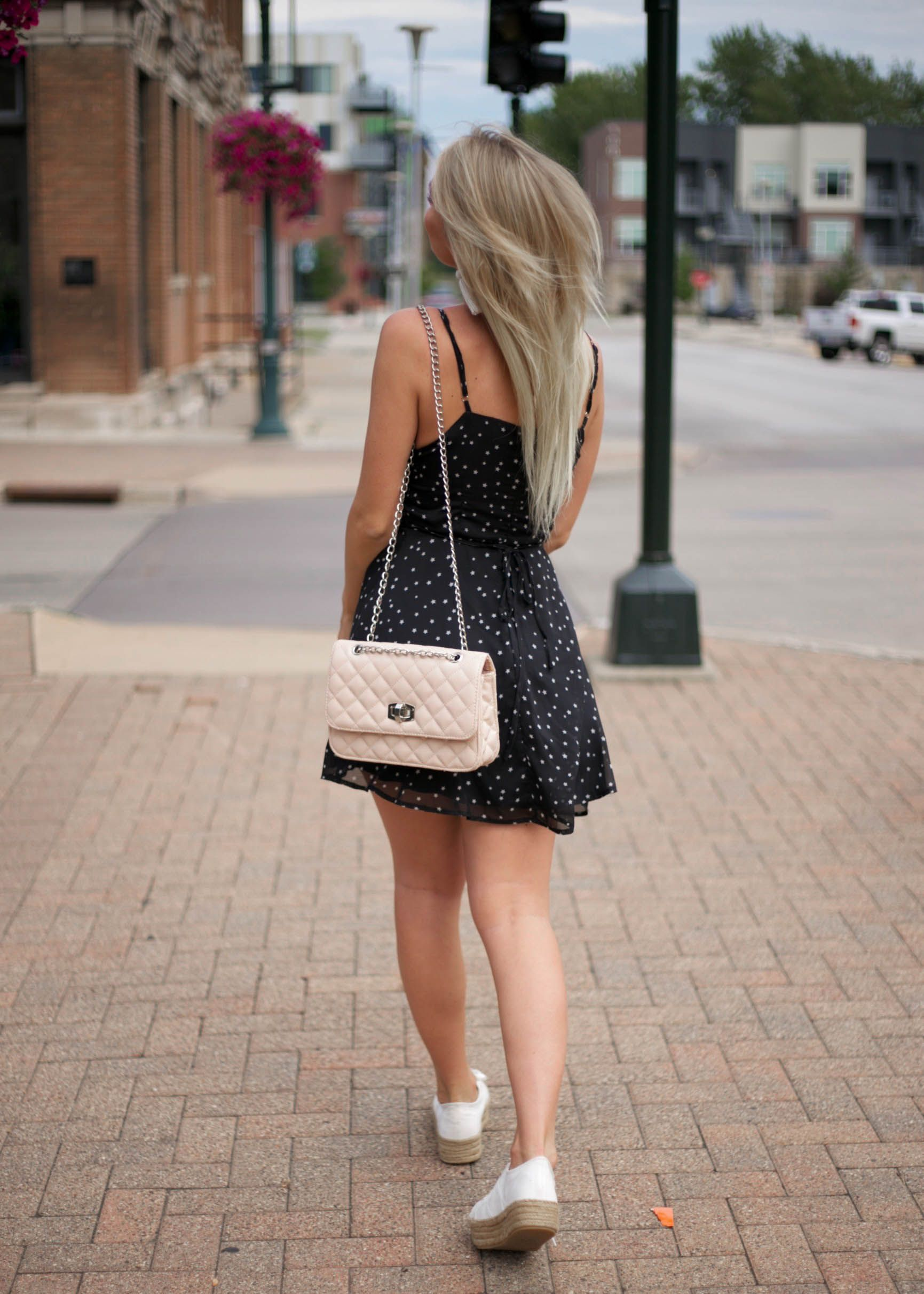 Black And White Mini Stars Dress With Platform White Tennis Shoes And Pink Purse Instagram Natalie Siems Fashion Blog Fashion Star Dress Fashion Pictures [ 2423 x 1731 Pixel ]
