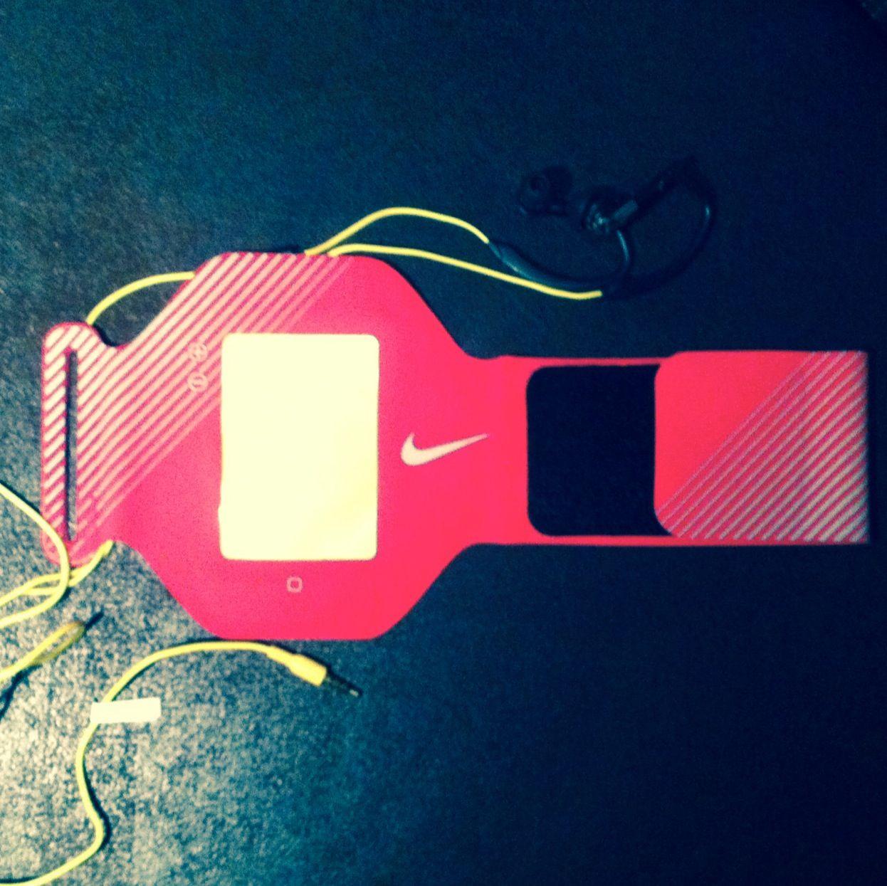 My pink nike armband and headphones gym life arm