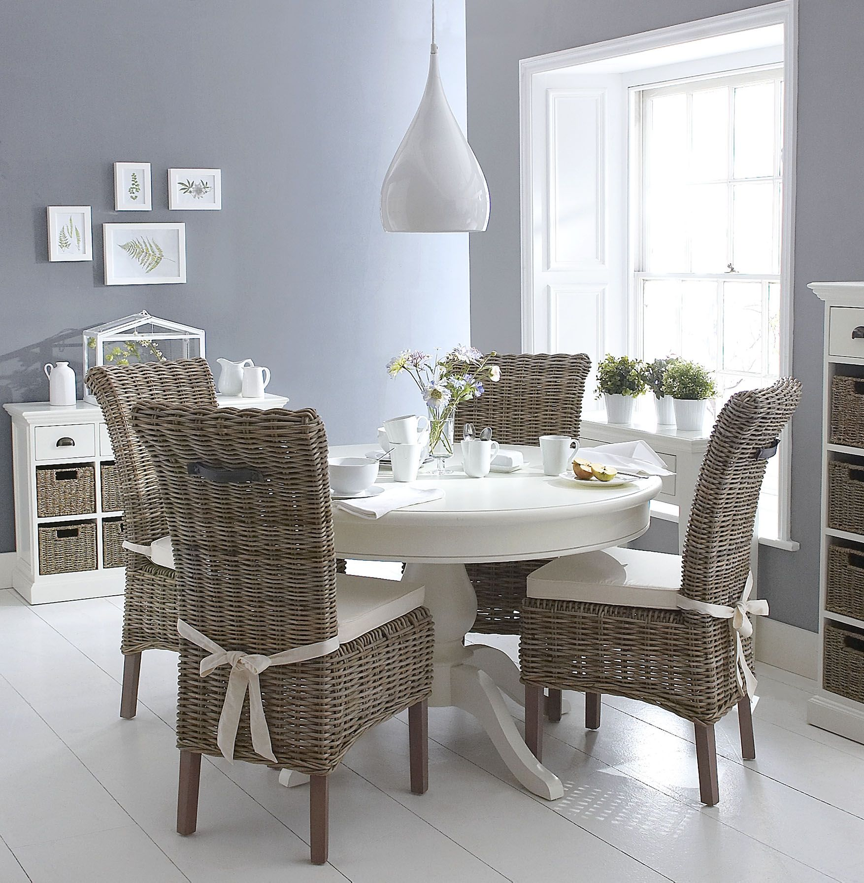 Kettle interiors glee16 white round dining table