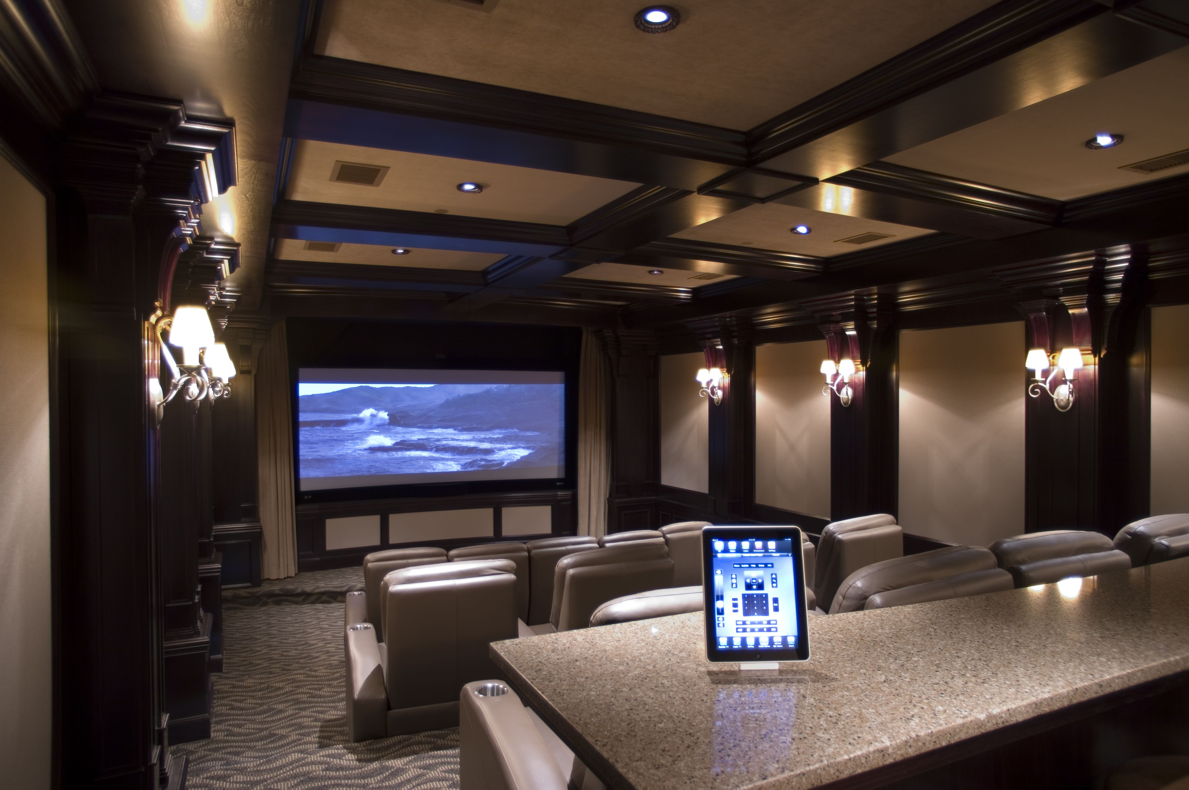 Charmant Luxury Home Movie Theater Rooms Ideas : Enchanting Home Movie Theater Rooms  Design Ideas By Screen With Black Frame Combined With Wall Lamps Also Cream  ...