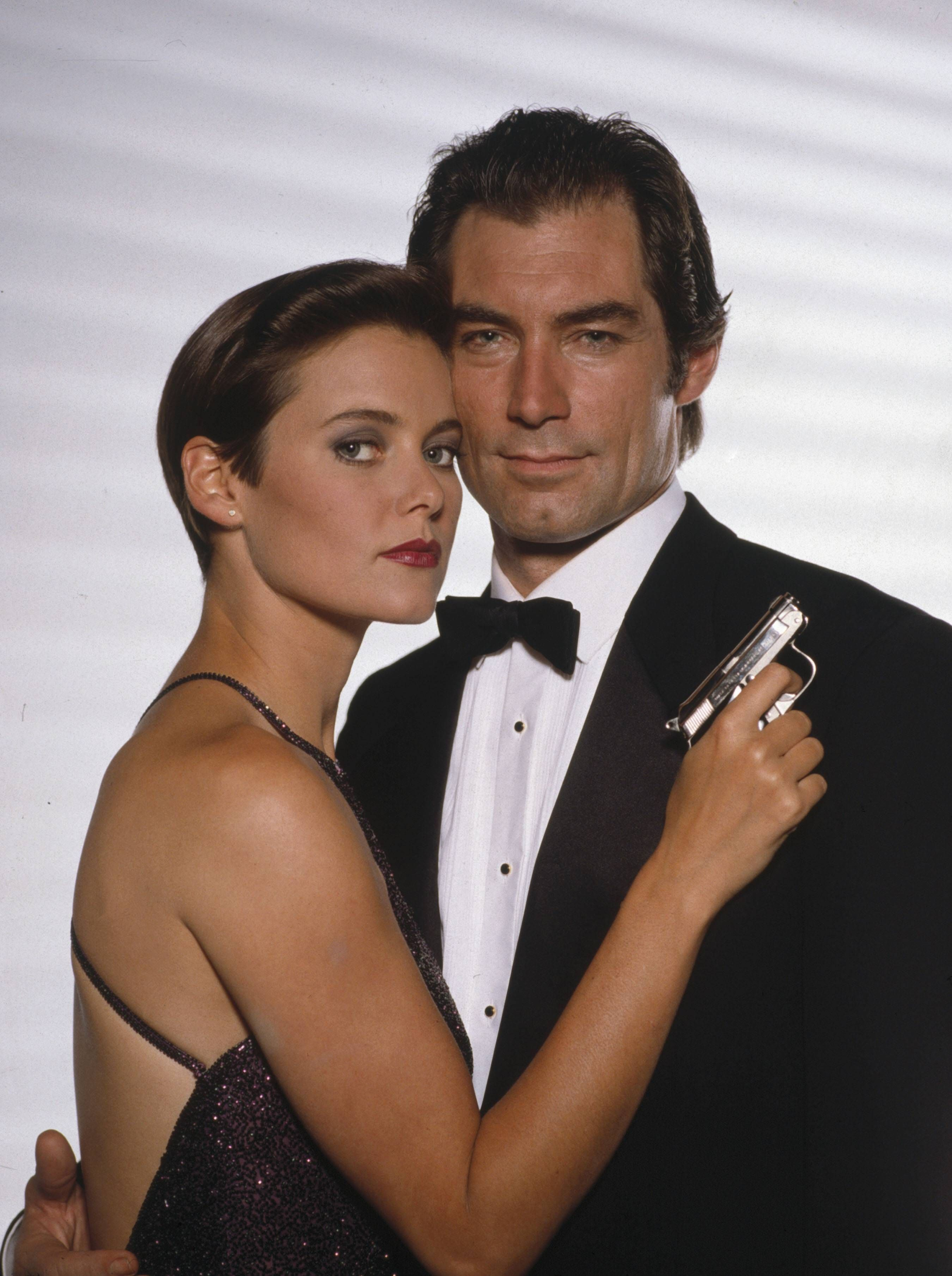 Carey Lowell And Timothy Dalton In The James Bond Movie A