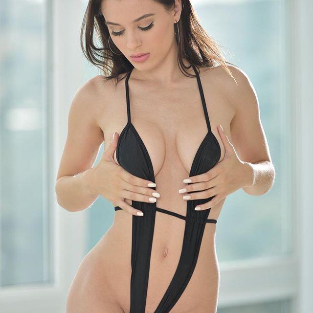 Lana rhoades body fat
