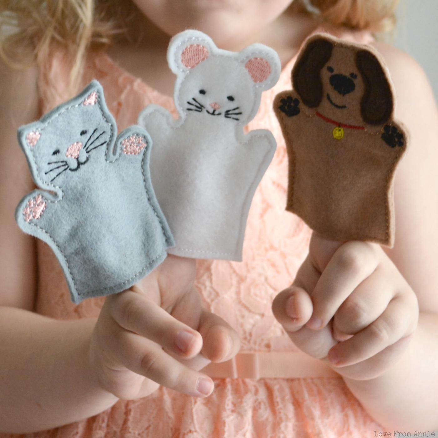 24 Cute Cat And Dog Finger Puppets Wholesale Party Favors