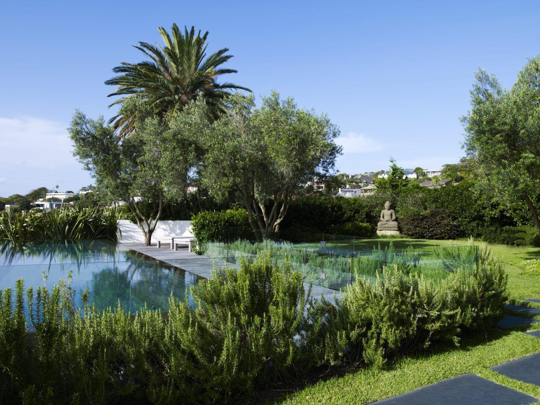 Modern garden pool from William Dangar & Associates.