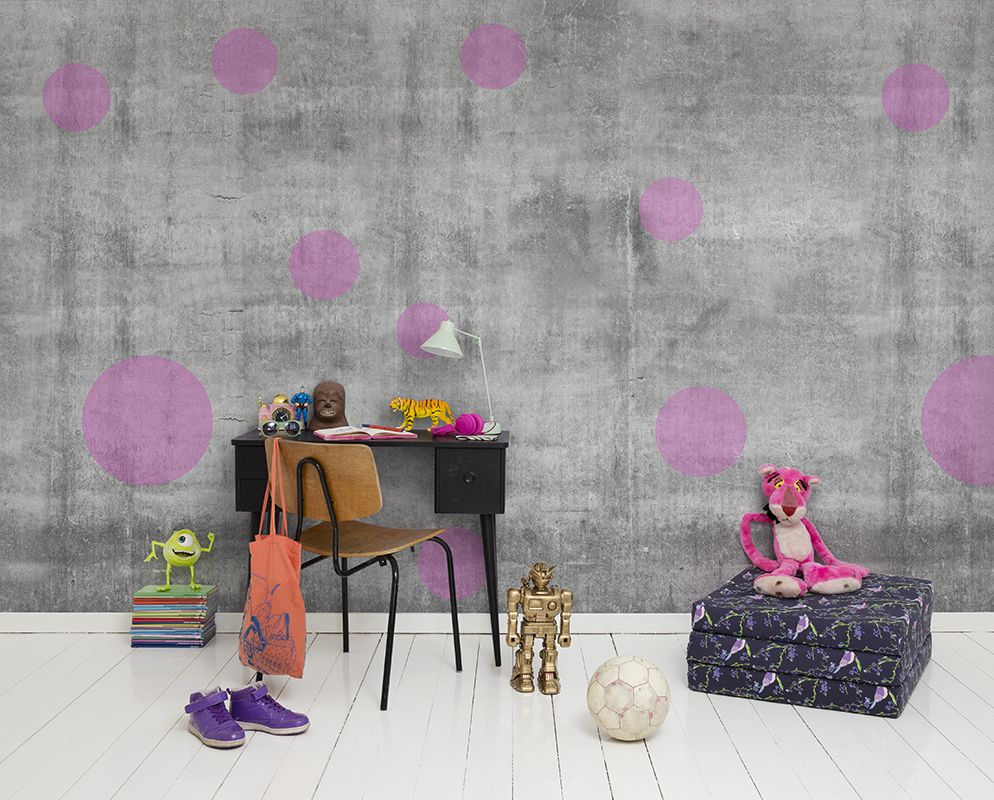 Stoeren meiden kamer behang. kids wallpaper concrete with purple