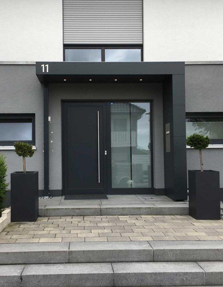 Extrem Eingangsüberdachung / Vordach mit Hausnummer, Beleuchtung und ZG38