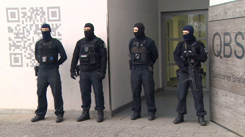 German police believe there are 602 Islamists living in the country who could be capable of perpetrating a terrorist attack. Politicians want to crack down on possible extremists, but many of the measures under consideration are ineffective or legally dubious.  By SPIEGEL Staff