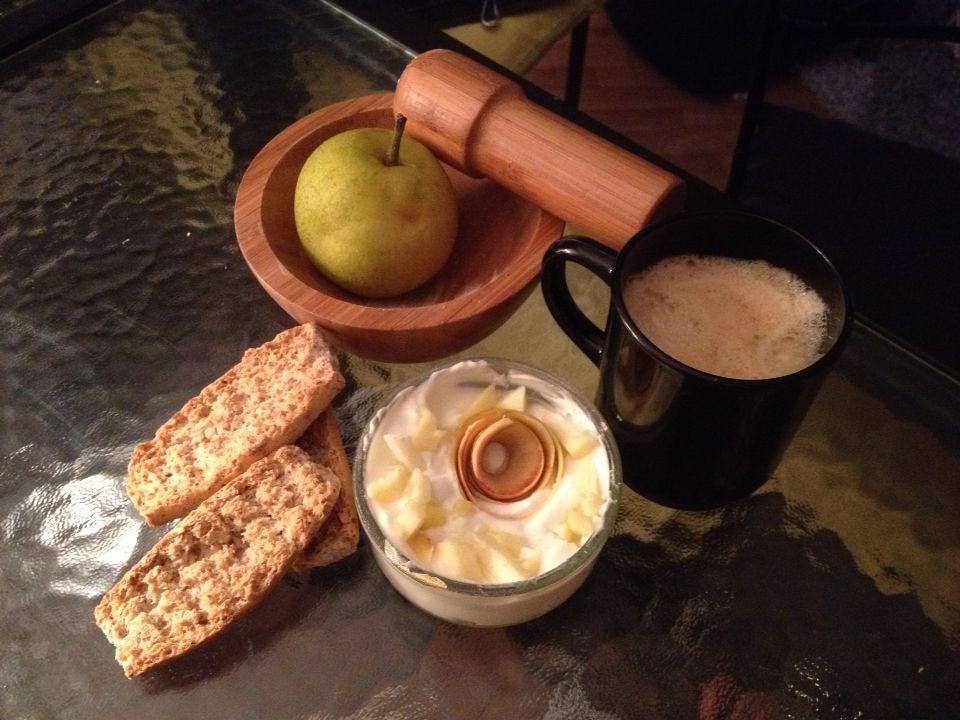 Un déjeuner en douceur avec une belle découverte la pomme poire