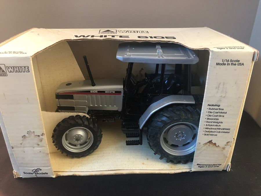 Agco White 6105 1/16 scale model tractor- Great Condition