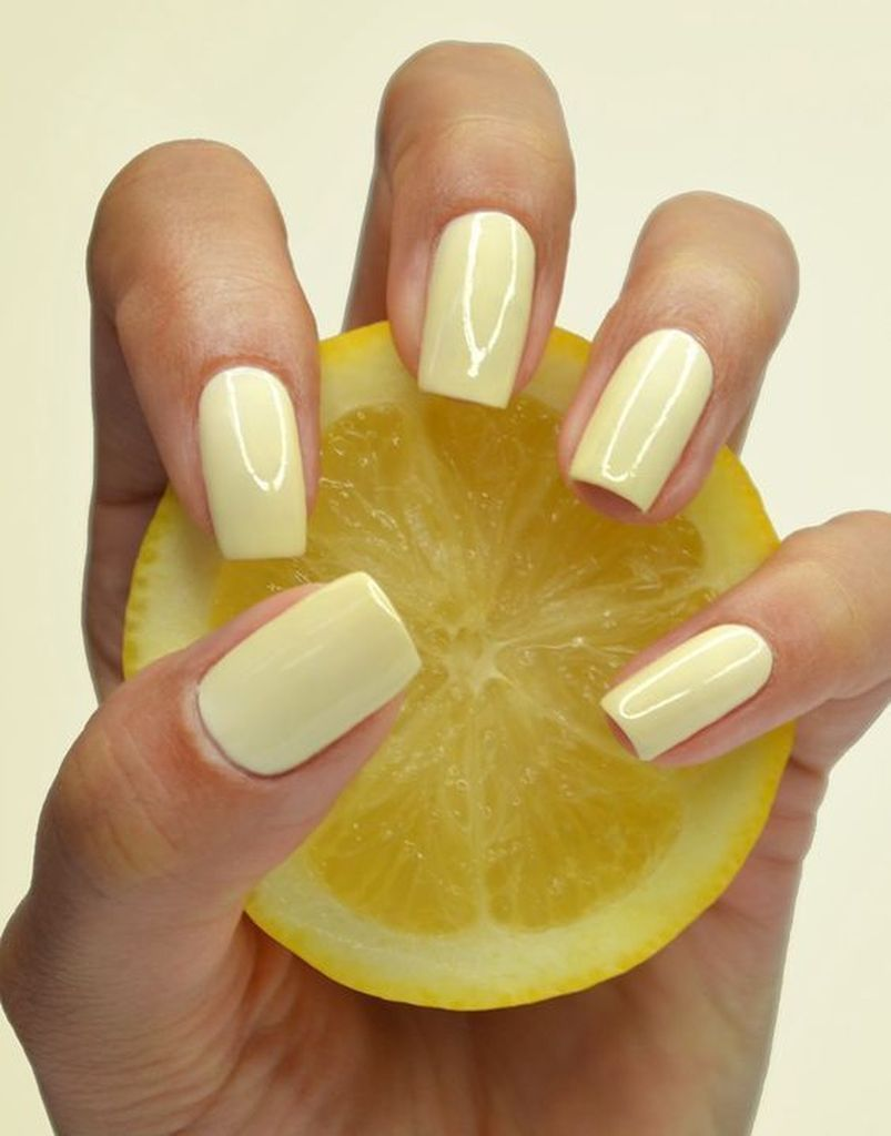 40 Beautiful Summer Nails Art Color That Inspire With Images Light Nails Bright Nails Yellow Nails