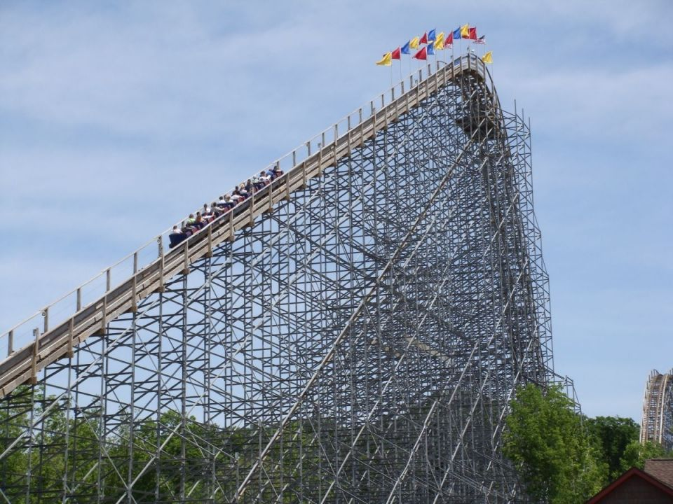 Dare To Ride The Scariest Roller Coasters In Usa These Craziest Tallest Longest