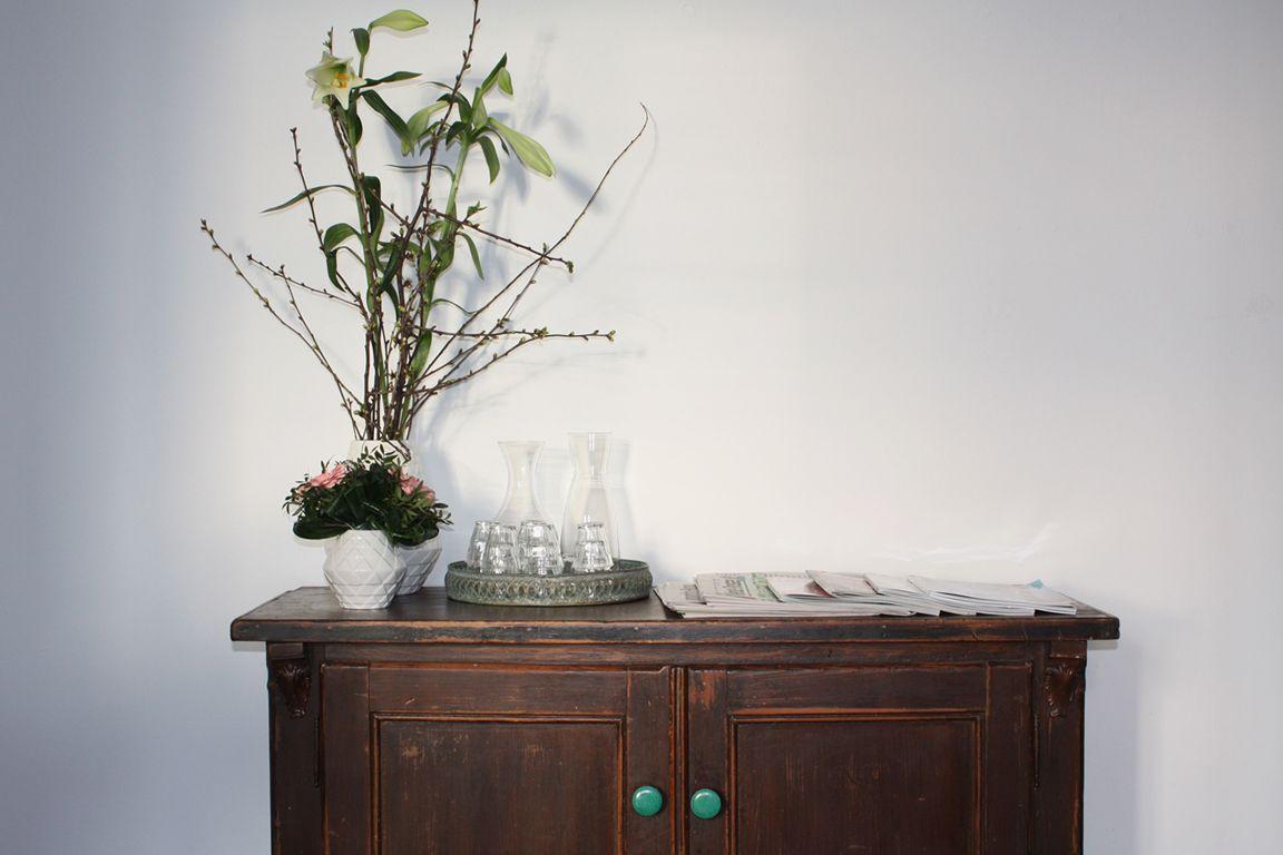 hof:geflüster] Hannover vintage furniture and display cabinet with ...