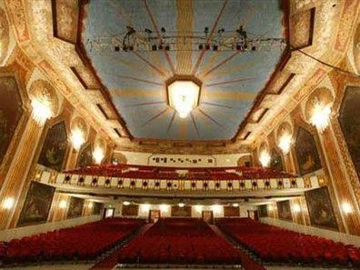 Paramount Theatre 3 Paramount Theater Vintage Movie Theater Theatre Kid