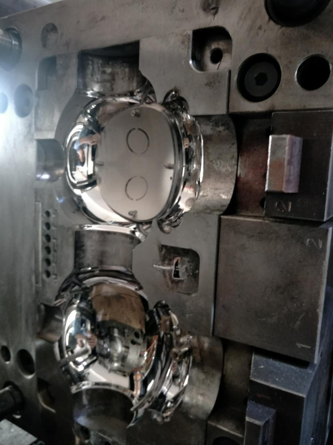 Plastic Injection Mold for Educational Toy Robot Plastic