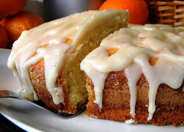 Mystery Lovers' Kitchen: The Particular Happiness of Orange Cake by Cleo Coyle